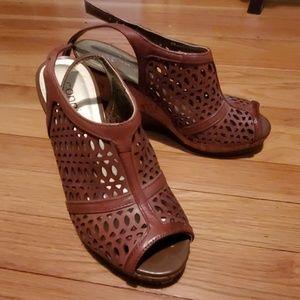 Leather wedge sandel